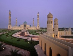 العرب اليوم - سلطنة عمان تبدأ حظر استقبال مواطني 14 دولة بينهم عرب