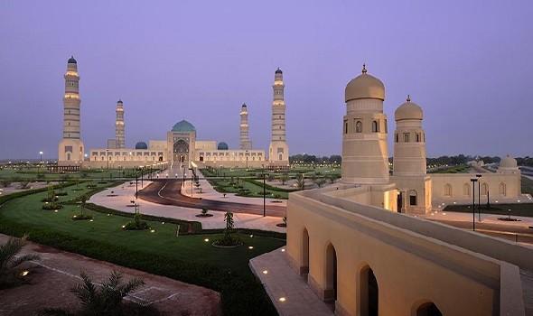 سلطنة عمان تبدأ حظر استقبال مواطني 14 دولة بينهم عرب