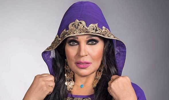 فيفي عبده تتعرض للهجوم بسبب الرقص بالمنشفة