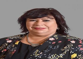 العرب اليوم - وزيرة الثقافة المصرية ايناس عبد الدايم تنعي الفنانة فتحية طنطاوي