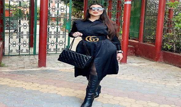 العرب اليوم - فساتين باللون الأسود من وحي دنيا بطمة لأطلالة أنيقة
