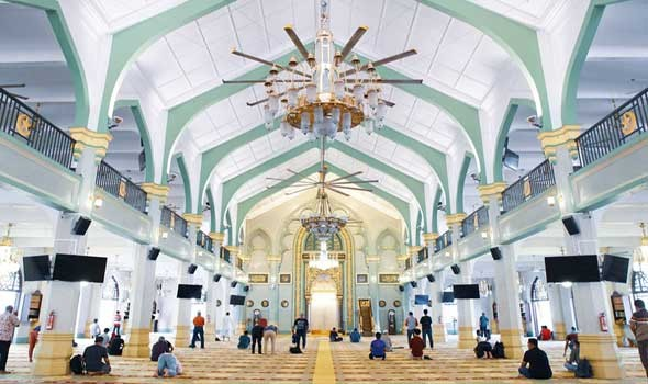 الغاء صلاة العيد في المغرب بسبب الكورونا وصعوبة تأمين التباعد