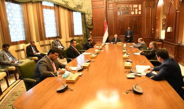 اليمن يؤكد تعاونه المطلق مع غروندبرغ عشية أولى جولاته في المنطقة