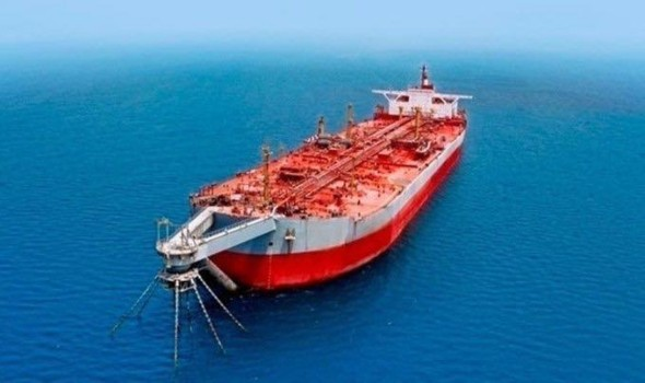 النفط يهبط تحت تهديد متحور كورونا والسيول
