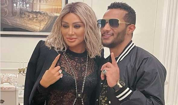 مايا دياب تفوز بلقب أيقونة الموضة في ال emigala وتهدي التكريم لوطنها لبنان