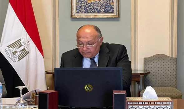 سامح شكري يبحث مع نظيره الصيني تفعيل دعم بكين لموقف مصر والسودان بشأن سد النهضة