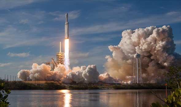 روسيا تعلّق تصميم الصاروخ القمري فائق الثقل