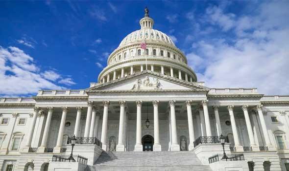 أعلن مسؤول أميركي سابق بأن ادارة بايدن تبحث رفع «عقوبات رمزية» عن خامنئي