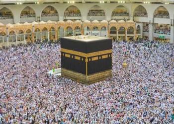 """العرب اليوم - الرئيس العام لشؤون المسجد النبوي في السعودية يكرم رجل الأمن في واقعة """"منبر الحرم"""""""