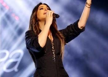 العرب اليوم - الفنانة إليسا ترد على منتقدي ملابسها في حفل بغداد