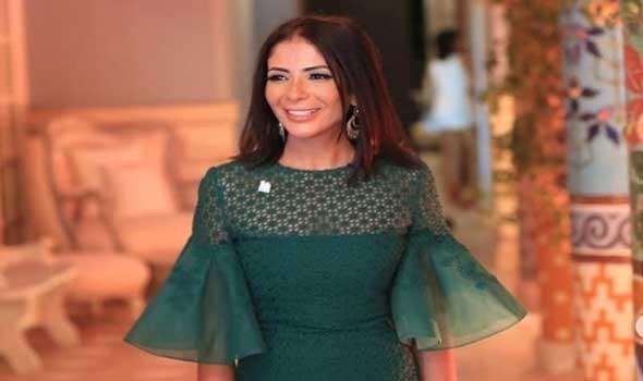 """العرب اليوم - إطلالات منى زكي وعائشة بن أحمد في مسلسل """"لعبة نيوتن"""""""