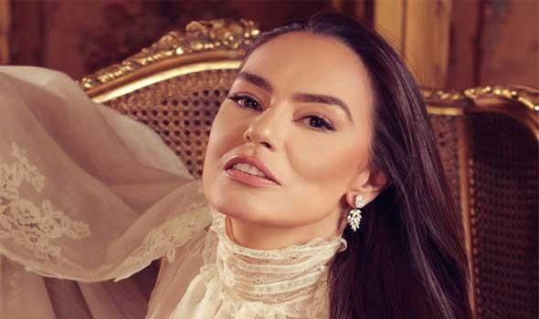 العرب اليوم - الفنانة المصرية شريهان تنشر مشاهد نادرة وصورا مميزة مع ابنتها