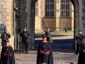 العرب اليوم - بعد أن وصفته بأنه كان سّر قوتها الملكة إليزابيث والبريطانيين يودّعون الأمير فيليب بهدوء