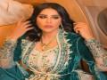العرب اليوم - الفنانة الإماراتية أحلام الشامسي ترتل القرآن الكريم والجمهور يبدي إعجابه بأدائها