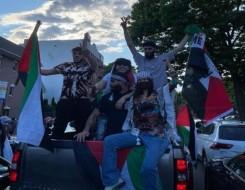 """العرب اليوم - بيلا حديد تتظاهر لأجل فلسطين في شوارع نيويورك وتؤكد """"لا يمكنهم محو تاريخنا"""""""