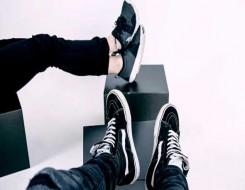 العرب اليوم - حذاء 360 Colorama الرياضي من لورو بيانا يتميز بخفة عالية وتصميم مبتكر وأنيق