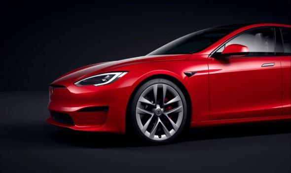 تيسلا تحصد لقب أسرع سيارة كهربائية