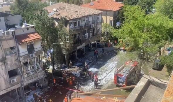 العرب اليوم - نتانياهو يصعّد ويستهدف منزل رئيس حركة حماس والمقاومة ترد بالتركيز على قصف تل أبيب