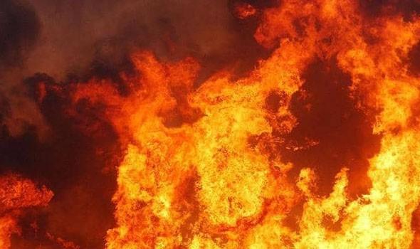 سكان جنوبي إسرائيل مطالبون بالتزام منازلهم بسبب احتراق خزان وقود بعسقلان