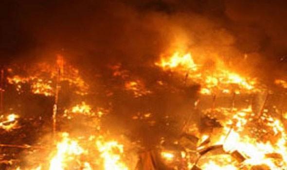 اندلاع حريق في باخرة ترسو بمرفأ بيروت
