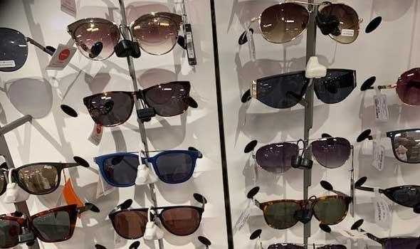 علماء يطورون نظارات ذكية يمكن أن تبطئ فقدان البصر