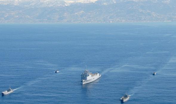 الأمن البحري العماني ينقذ 12 شخصا من سفينة جانحة قبالة سواحل ظفار