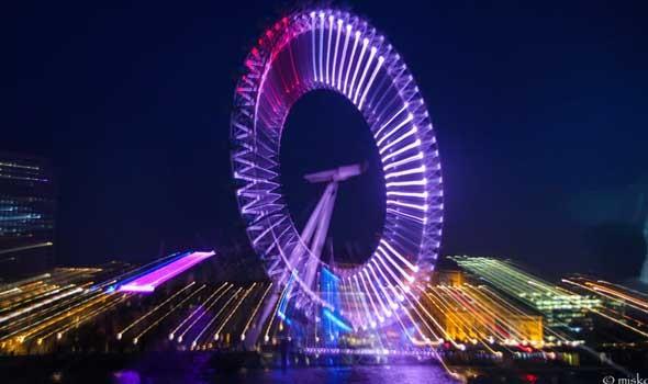 عين دبي أكبر عجلة مشاهدة في العالم تحتفي باليوم الوطني السعودي