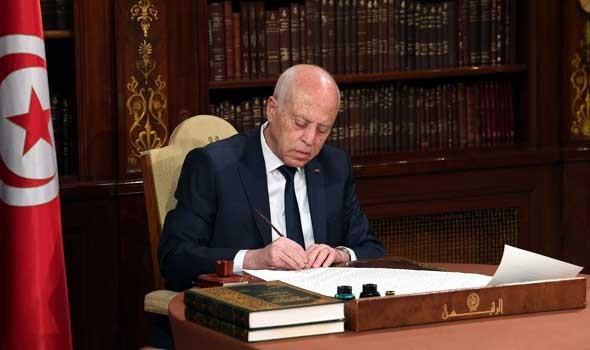الرئيس التونسي يتعهد بحماية المسار الديمقراطي واحترام الشرعية والحقوق والحريات