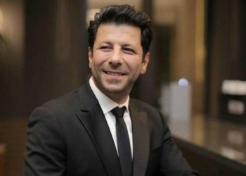 """العرب اليوم - إياد نصار يتحدث عن آخر أعماله ويكشف كواليس فيلم """"الكتاب الأخضر"""""""