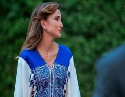 العرب اليوم - الأزرق الفاتح لون موضة صيف 2021