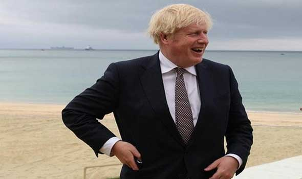 وزير الصحة البريطاني يتقدم باستقالته على خلفية الفضيحة الأخلاقية