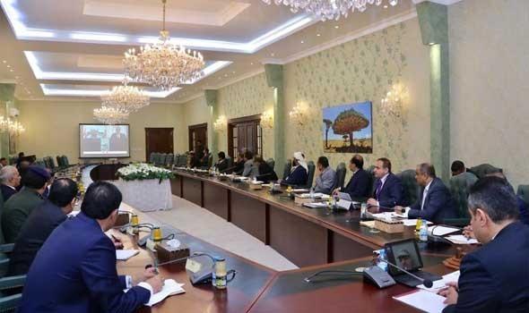 «الرباعية» ترحب بعودة الحكومة اليمنية إلى عدن