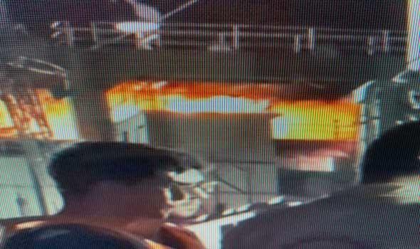 العرب اليوم - استهداف سفينة حربية ايرانية قرب سواحل  ميناء بندر عباس