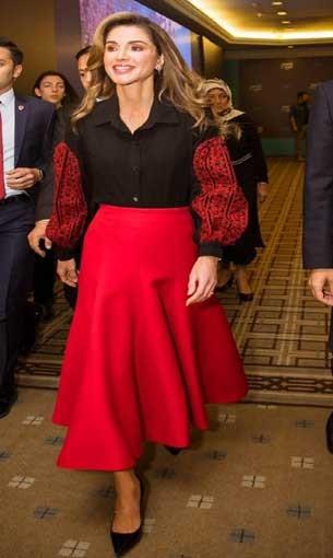 العرب اليوم - الملكة رانيا تسحر العيون بإطلالات خاطفة في زيارتها للبيت الأبيض