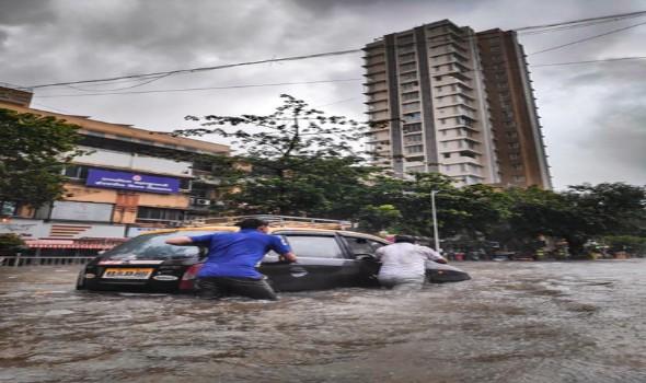 بعد إرتفاع ضحايا الفيضانات في أوروبا الغربية إلى أكثر من ١٥٠ فرق الانقاذ تعمل لإنقاذ آخرين