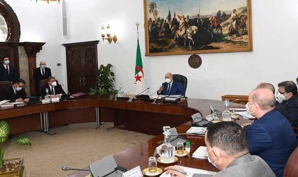 """الرئيس الجزائري يوصي بالإفراج عن معتقلين بالحراك الشعبي في """"تدابير رأفة"""""""