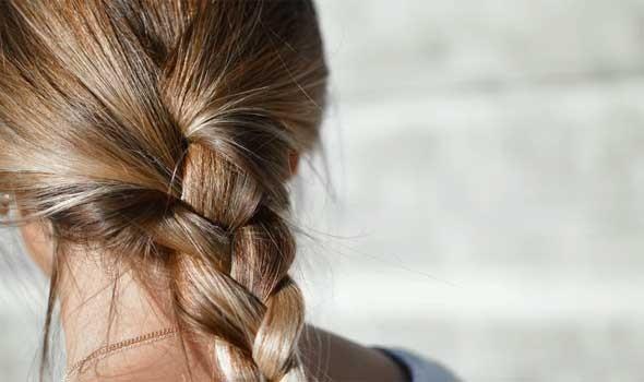 العرب اليوم - طُرق آمنة وفعّالة لعلاج فروة الرأس الملتهبة من الصبغة