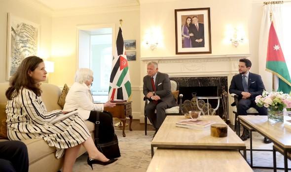 العرب اليوم - ملك الأردن يناقش مع وزيرة الخزانة الأميركية مشاريع اقتصادية