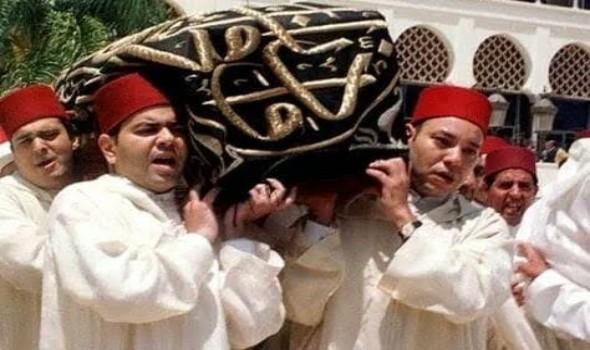 العرب اليوم - تشييع  آلاف اليمنيين جنازة مفتي الديار في صنعاء رغم محاولات «تشويش» حوثية