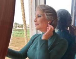 العرب اليوم - سوسن بدر تظهر بشكل مختلف في كواليس تصوير مسلسلها السيدة زينب