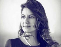 """العرب اليوم - ياسمين علي تطرح الأغنية الدعائية لمسلسل """"بيت عز"""" بعنوان """"أنا عندي أب"""""""