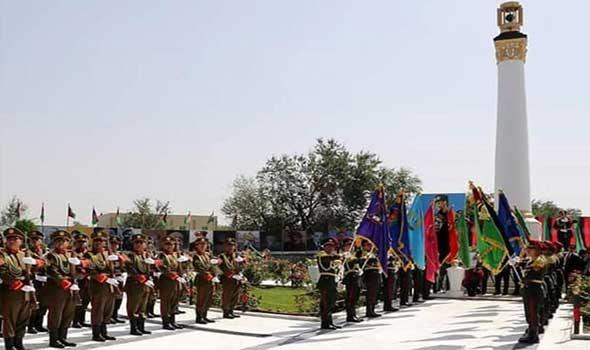 إجلاء قوات من النخبة الأفغانية من قاعدة سرية إلى خارج البلاد