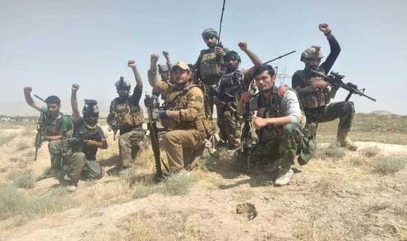 حركة طالبان تسمح بخروج 100 بينهم أميركيون وأجانب عبر مطار كابول