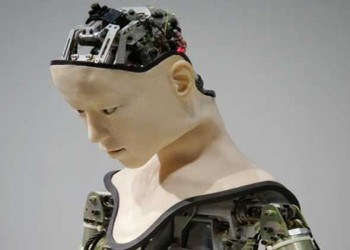 """العرب اليوم - روبوت """"إيبوكي"""" اليابانيّ مثاليّ لتخطّي مشاعر الوحدة والفراغ"""