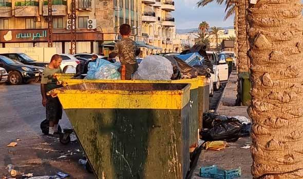 """العرب اليوم - فلسطينية تنطلق بمشروعها """"الحجر الأزرق"""" من بقايا النفايات"""