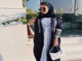 العرب اليوم - عبايات باللون الكحلي لإطلالات فخمة ومميزة