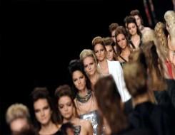 العرب اليوم - أسابيع الموضة العالمية تتمسك بإرثها خوفًا من الأزمة الاقتصادية