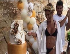 العرب اليوم - نادين الراسي تخطف الأنظار في ملابس السباحة
