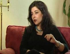 العرب اليوم - الناقدة المصرية شيرين أبو النجا تحلم أن يتحول النص النقدي لإبداعي