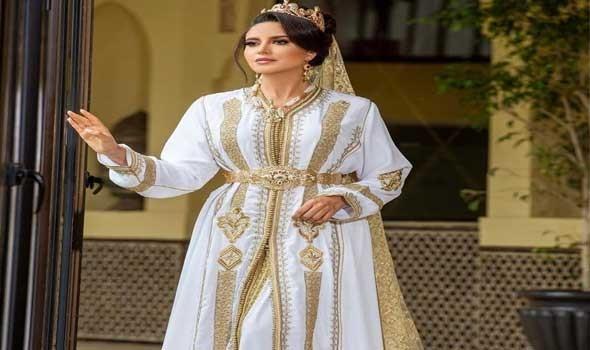 العرب اليوم - موديلات قفاطين عصرية من وحي النجمات